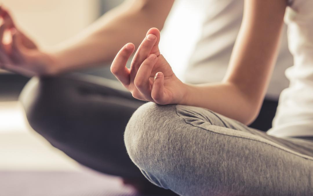 Las 10 razones por las que recomendamos la practica del Yoga para tu salud femenina